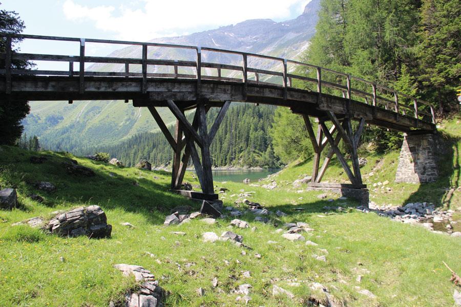 Tirol Sommer Brücke Obernbergersee