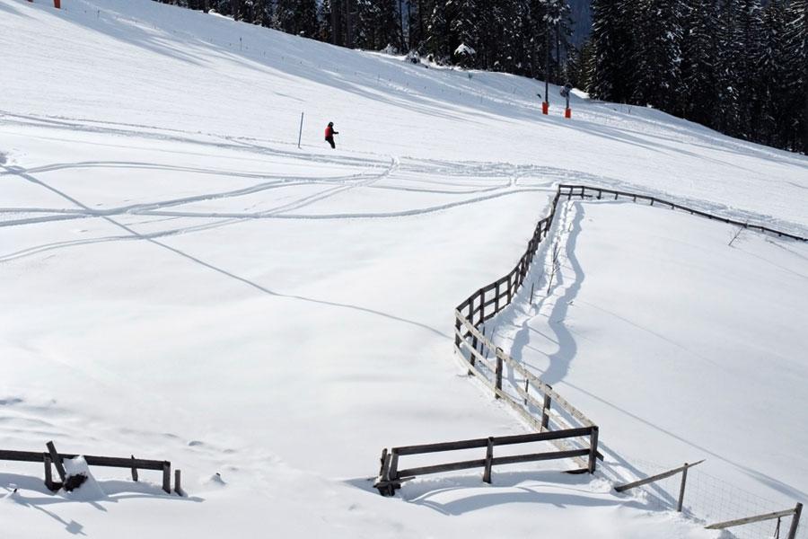 Ski rental & depot