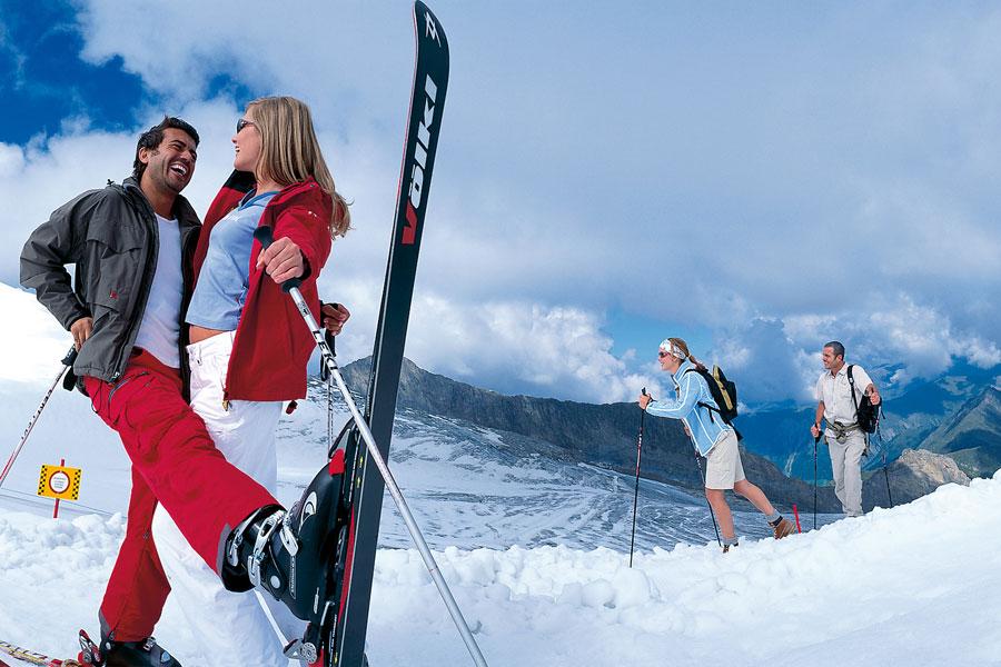 Skifahren und Wandern im Frühling